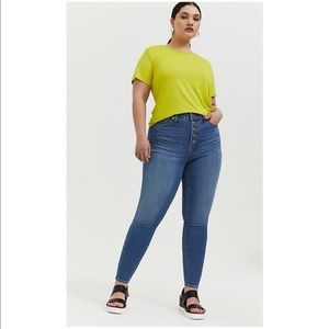 Torrid Bombshell Skinny Button Fly Jeans Size 22XT